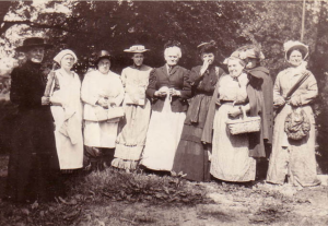 Clara Minerva Brown Eggleston, my great-grandmother, is second from right, with picnic basket. Bainbridge, Ohio