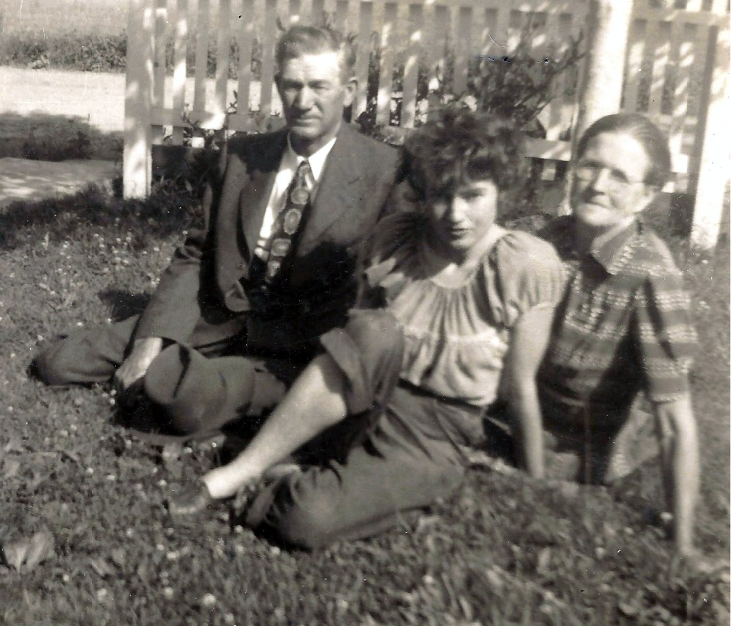 Ruth Merica and Parents, Shenandoah VA, c.1940.CU.r