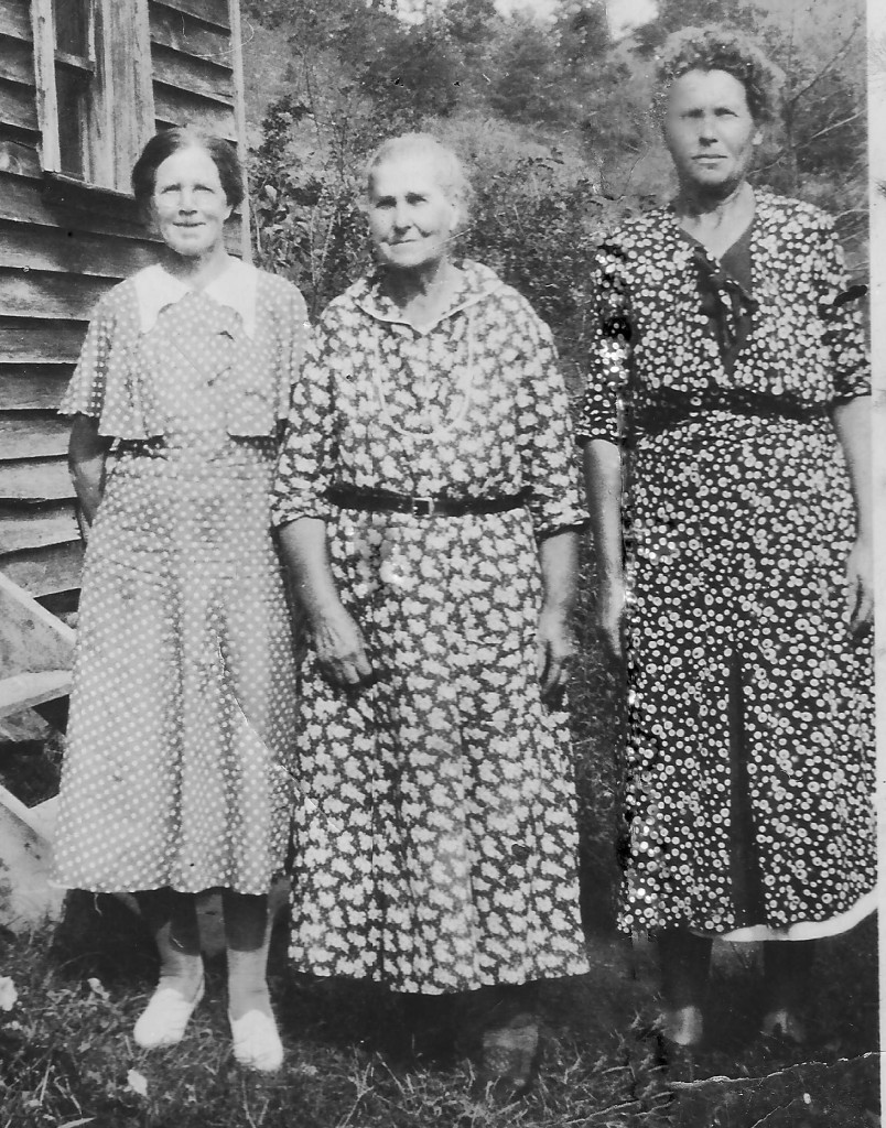 Florence Collier and sisters, Jollett Hollow VA, c.1920.r2